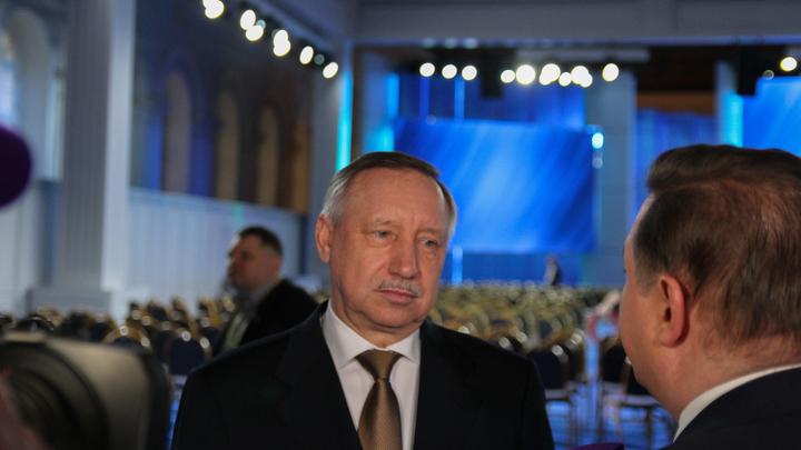 Двойная защита от коронавируса превратила губернатора Петербурга в мем