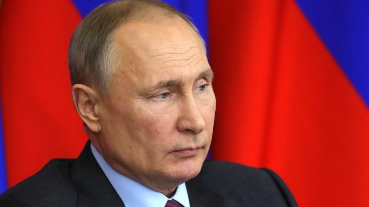 Конституция в деталях: Владимир Путин обсуждает поправки с рабочей группой. Онлайн-трансляция