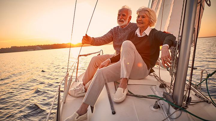 Защитить пенсионеров и наполнить экономику деньгами? Либералы говорят нет