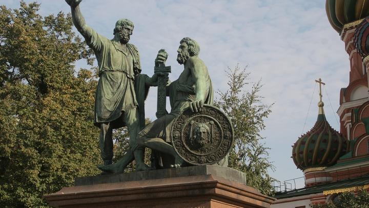 Уроки польского: Зачем Россия празднует забытую победу