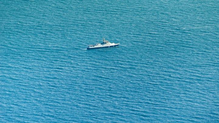 Три корабля ВМС Украины незаконно пересекли границу России