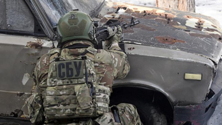 Экс-главу Генштаба Украины обвинили в госизмене