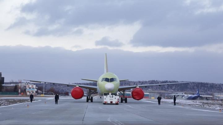 Ростех презентовал первый полностью российский самолёт. МС-21 готовится к лётным испытаниям