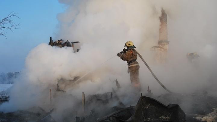 В поселке под Читой в огне погиб трехлетний ребенок и его родственники
