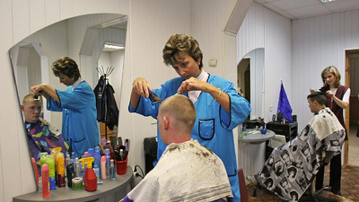 Лохматые челябинцы побежали к парикмахерам