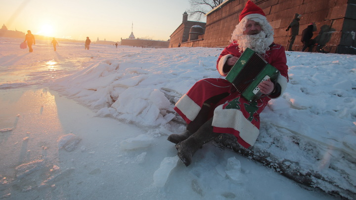 Вопрос - насколько это нужно?: Дед Мороз удивился запросам современных детей