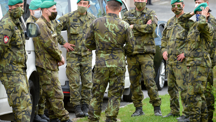 Чехия продолжает бояться недовольных русских? К дипломатам в Москве приставят охрану