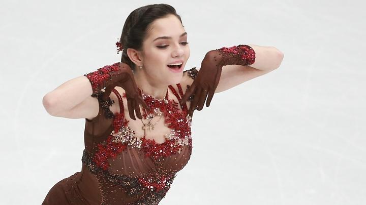 Болельщики подарили фигуристке Медведевой золотую медаль ОИ-2018