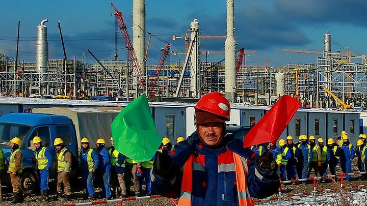 Незаметно слезаем с нефтяной иглы. В тени санкций Россия обходит запреты