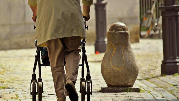 Главное – чтобы без принудиловки. Пенсионная реформа шагает по миру - Старый Свет снова на очереди