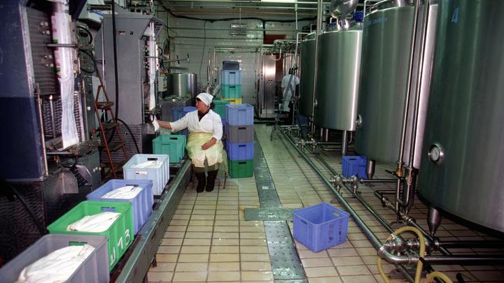 Антимонопольщики разрешили поднять цены на молоко и молочные продукты