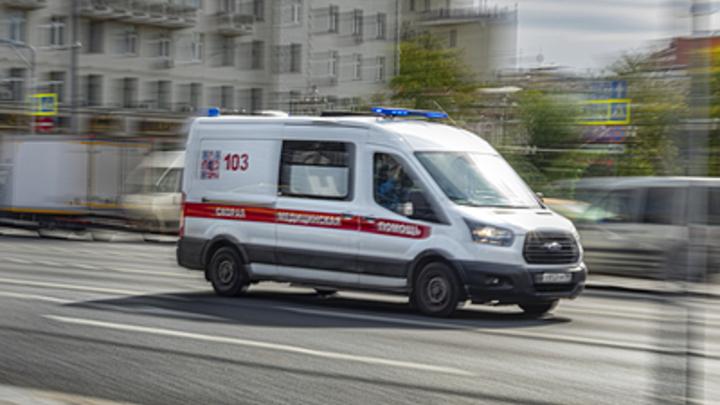 Уральцы раскритиковали бесчеловечного водителя, не пропустившего скорую из-за угрозы штрафа