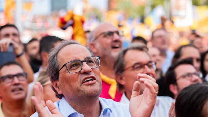 Барселона окрасилась в оранжевый: Тысячи каталонцев дружно понадеялись на независимость от Мадрида