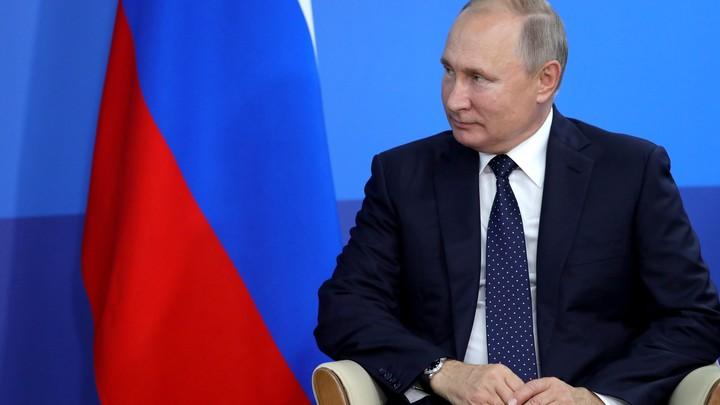 Но рюмку предлагаю поставить. Пить будем потом: Путин выполнил свое обещание, данное 20 лет назад в Дагестане