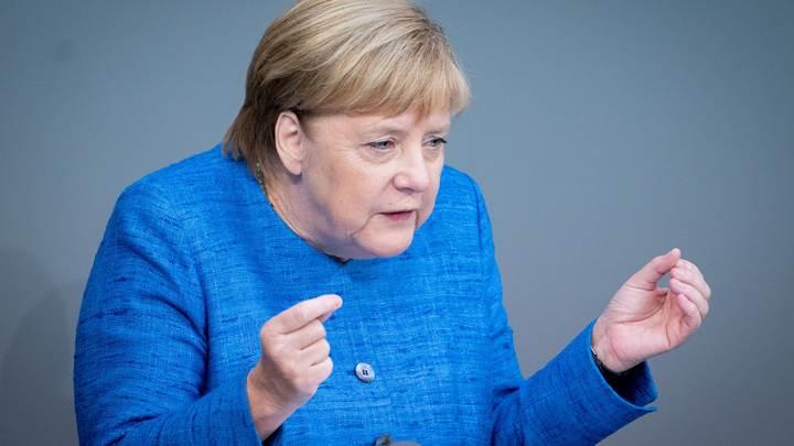 Меркель увидела небольшой прогресс от Украины и заявила об ответственности за отношения Москвы и Киева