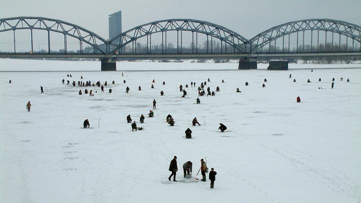 Аномально теплая осень в Санкт-Петербурге уступает место зиме