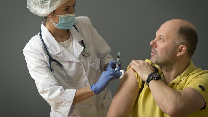 В Подмосковье водителей автобусов и такси не допустят к работе без прививки