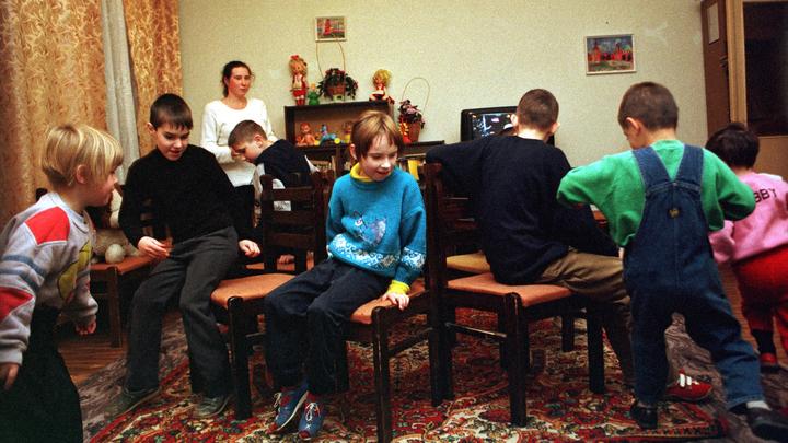 Опрос: В России снизилась проблема детской преступности и беспризорности