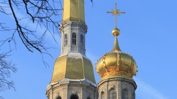 В Москве состоялось освящение и установка купола на Храм Чуда Архангела Михаила в Хонех