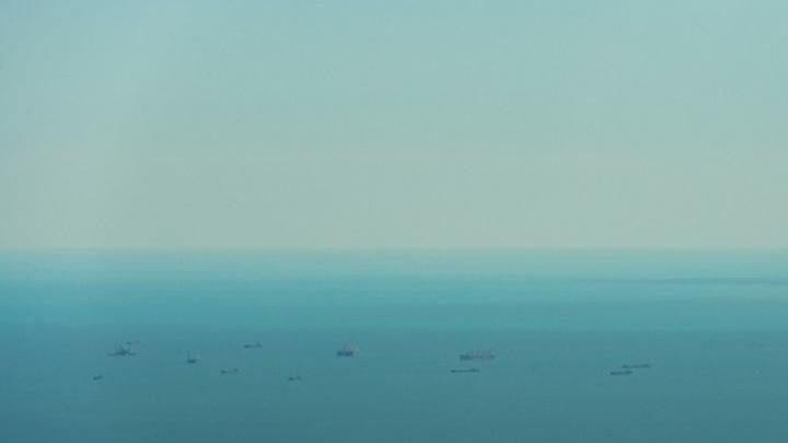 Танкеры подверглись атаке в Оманском заливе: Источники говорят о русских на борту, ВМС США не готовы раскрывать детали