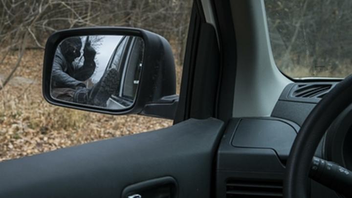 Псих просто затолкал мальчишку в машину: Отец спасённого ребёнка раскрыл детали похищения сына