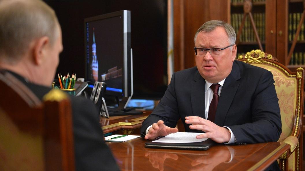 Руководитель ВТБ призвал кборьбе сдолларом вмировых масштабах