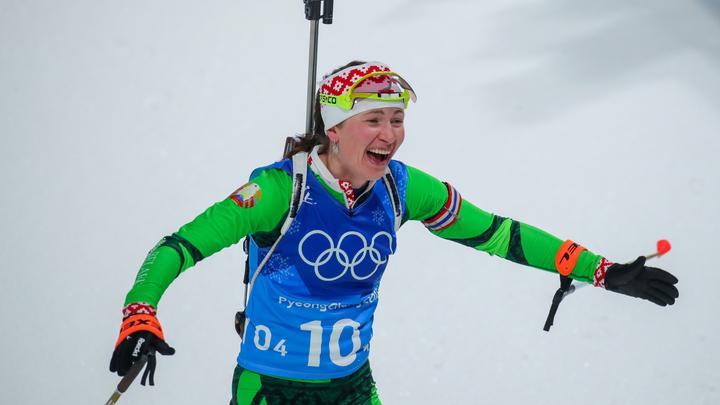 Потерявшая флаг страны на ОИ Домрачева призвала российских биатлонистов быть командой