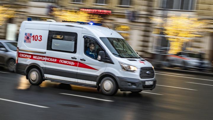 В срочном порядке берут анализы: СМИ сообщили подробности госпитализации семерых туристов из Китая в Москве