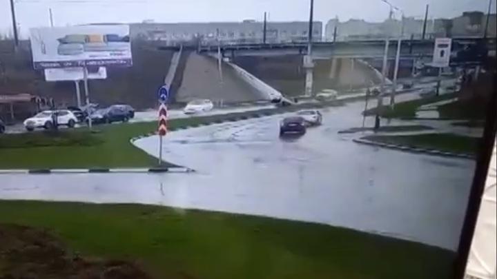Буйный беглец: Подробности ДТП в Таганроге с иномаркой, ехавшей задним ходом против движения