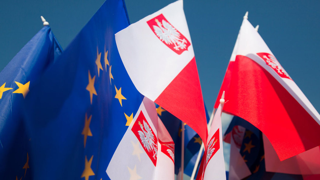 В Варшаве притормозили, но не остановили конфликт с Брюсселем