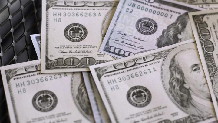 Долгосрочный тренд: Жители России миллиардами снимают деньги с валютных вкладов