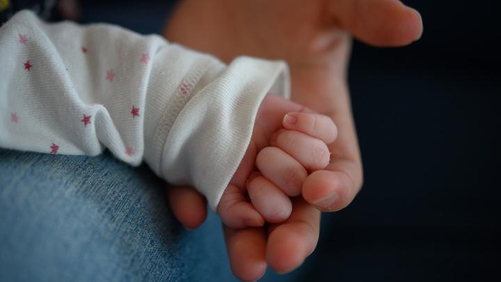 Дома ждут пятеро братьев и пятеро сестер: Мать-героиня из Подмосковья родила одиннадцатого малыша