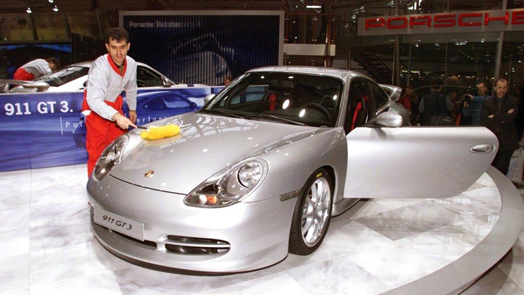 Власти Германии потребовали отозвать 60 000 авто Порш