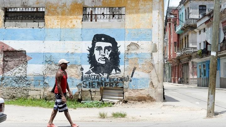 Россия одолжит Кубе $50 миллионов на покупку своих танков и вертолетов