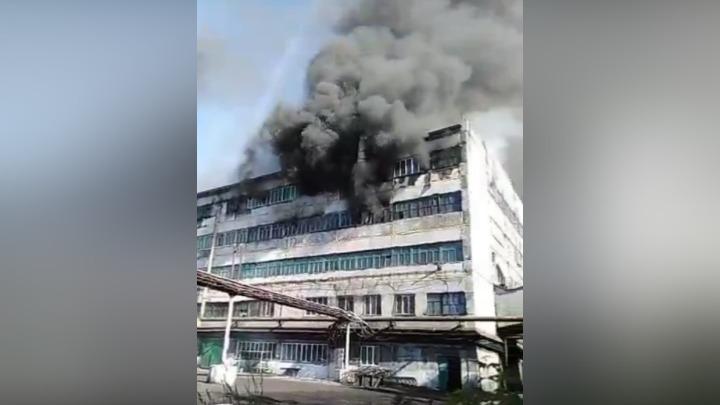 В Кузбассе загорелась обогатительная фабрика «Березовская»