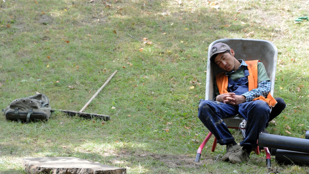 Правильная продолжительность сна сможет победить лишние килограммы - ученые