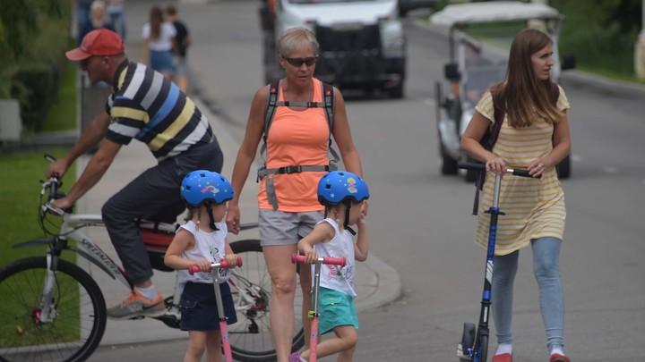 Дверь открыта, следов взлома нет: Пропавшую в Крыму пятилетнюю девочку ищут волонтёры из соседних регионов