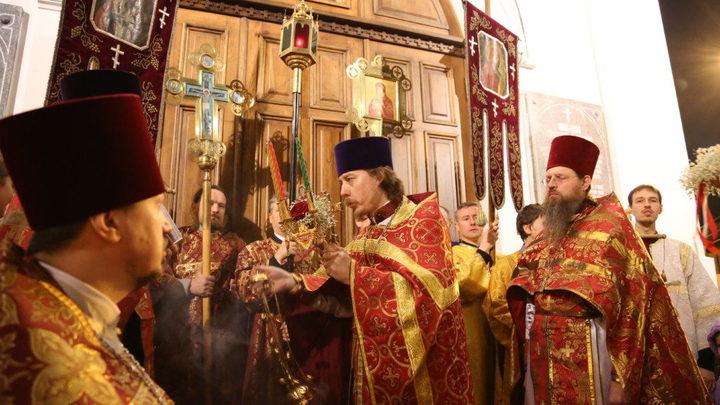 С топором на православных: В Петербурге недо-блогер ответит по закону
