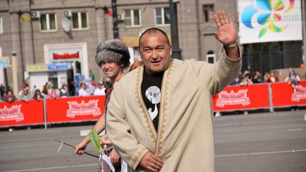 На самого сильного гражданина России наехали на Челябинском рынке