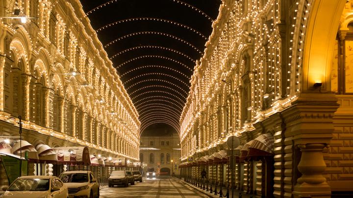 Фонари и распускающиеся цветы: 8 марта все улицы Москвы будут сиять праздничной подсветкой