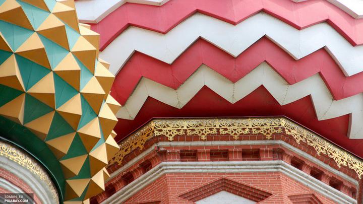 Эксперт: Ежедневные службы - слишком большая нагрузка для собора Василия Блаженного