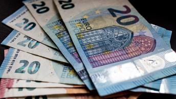 Задержанный по подозрению в коррупции банкир освобожден под залог в 100 тысяч евро