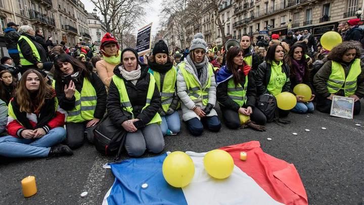 Протесты во Франции продолжаются и конца им не видно