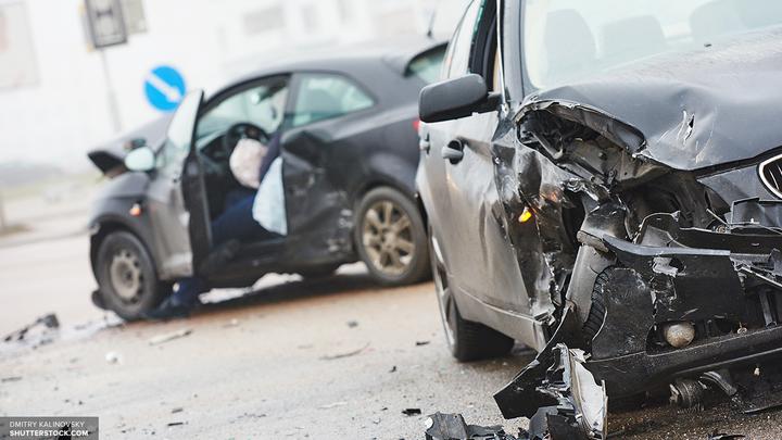 Водитель Lexus сбил пенсионерку с двумя внуками и сбежал с места ДТП в Москве