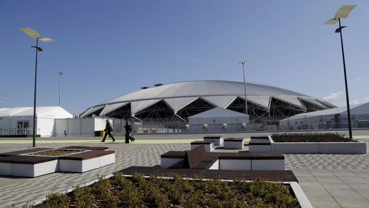 Аварийный стадион Самара Арена обрушит репутацию губернатора Азарова