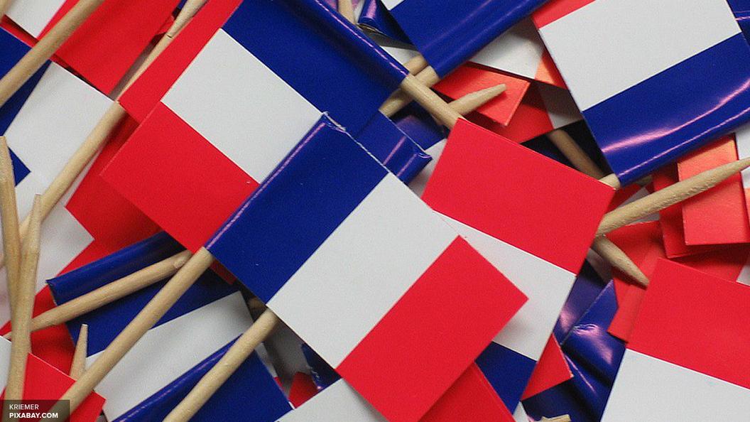 В Париже начались беспорядки после оглашения предварительных итогов президентских выборов