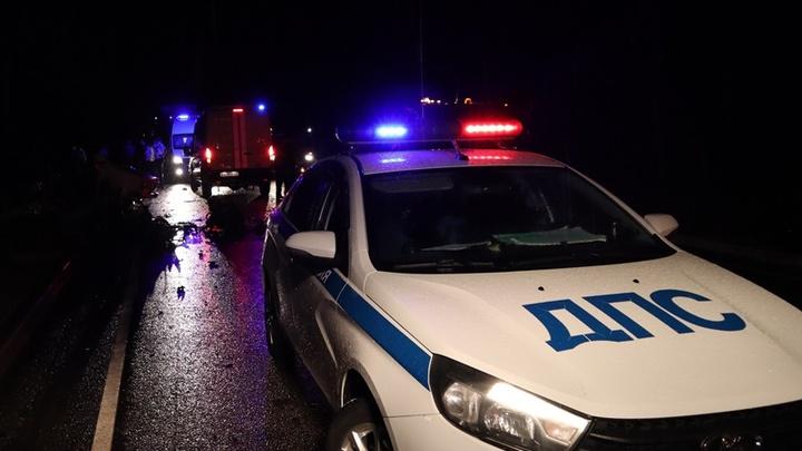 В лобовом ДТП в Адыгее погибли двое полицейских, молодая женщина и пятилетний ребёнок