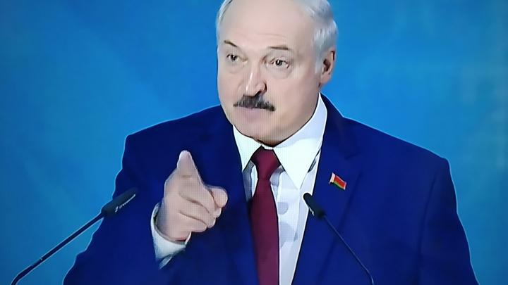 Лукашенко попросил не подбрасывать ядерное оружие и обещал, что полыхать будет до Владивостока