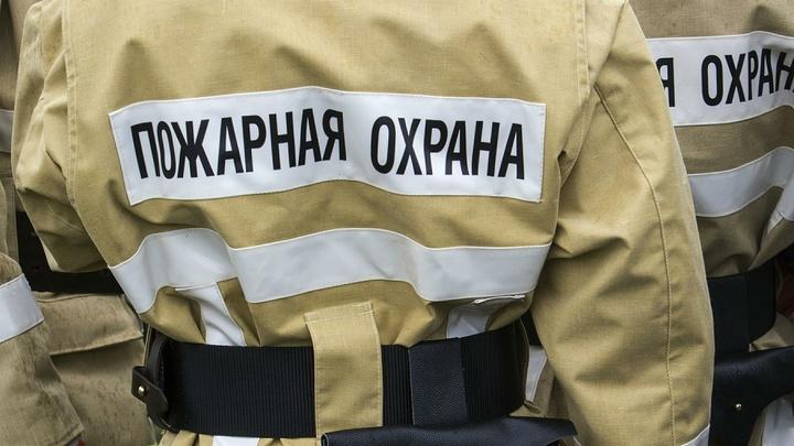 В Ростовской области сгорело здание почты: Второй крупный пожар за сутки - причина такая же