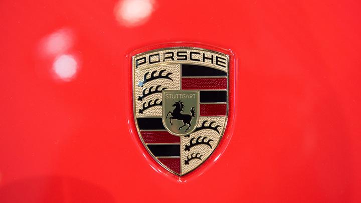 Швейцария борется с опасными  Porsche Cayenne